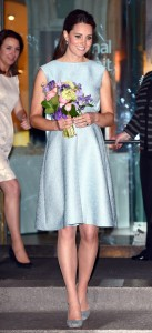 Kate Middleton pregnancy blue maternity dress
