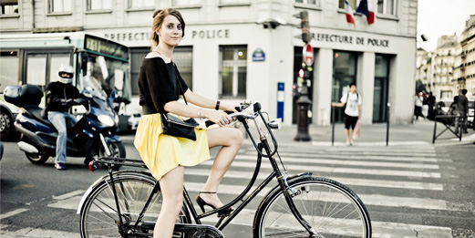 lady-biking